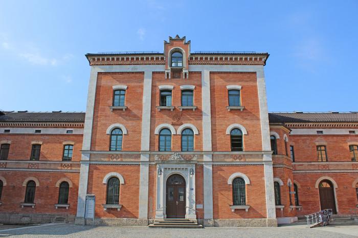 rathaus-rosenheim-sommer-(c)chiemsee-alpenland-tourismus.jpg.jpg