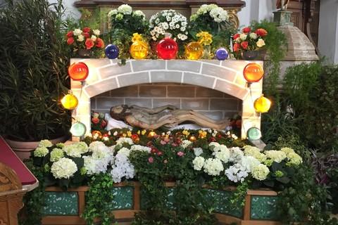 ostern-altar.jpg