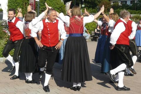 volkstanzkreis-rosenheim-tanz-brauchtum.jpg