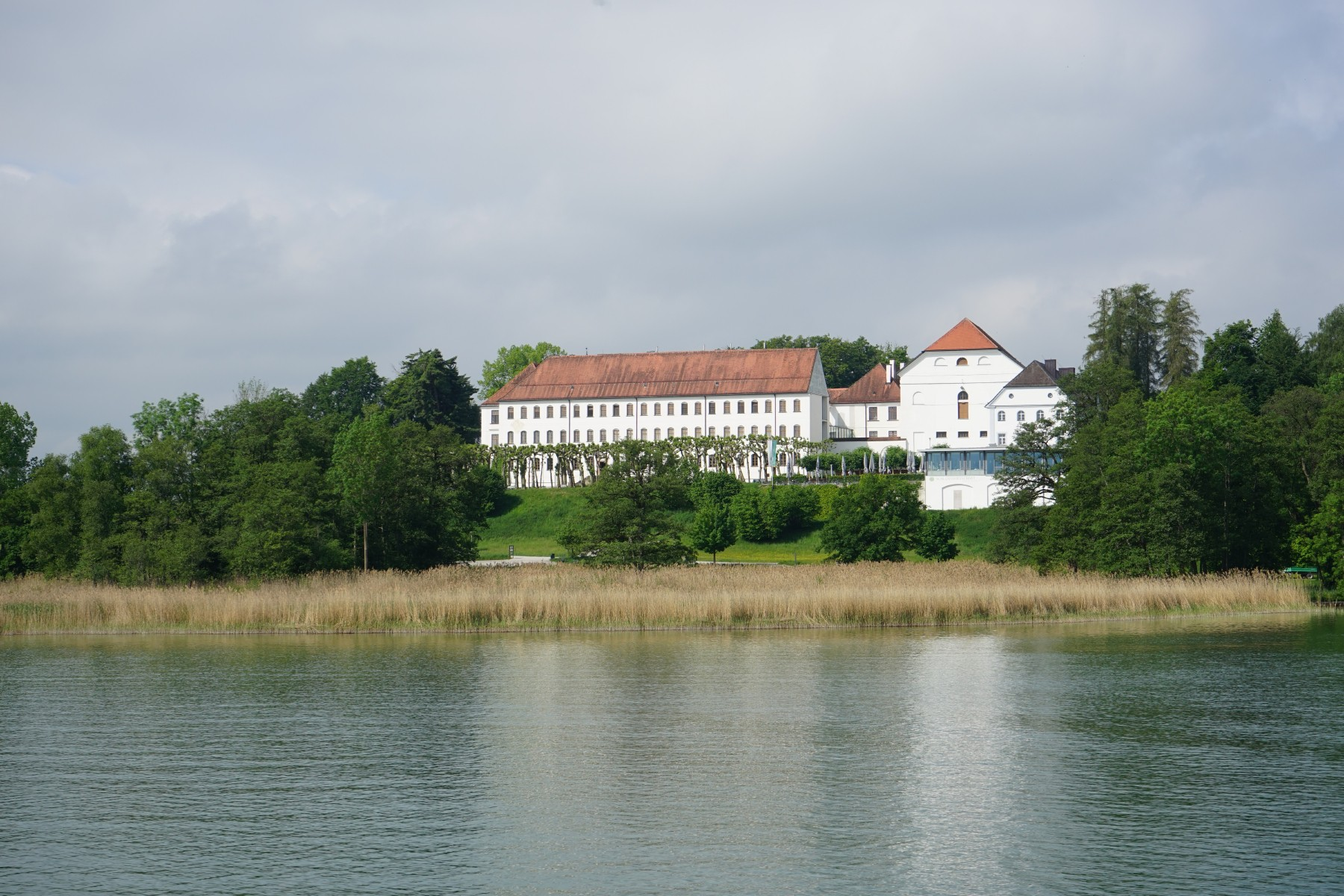 Schlosshotel-Herreninsel.jpg