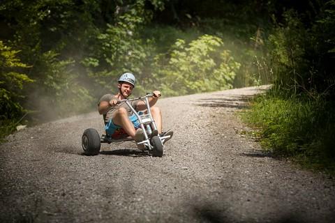 sayaq-mountaincart-abfahrt-wald-(C) Dominik Fritz mountaincart 1.jpg