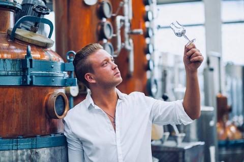 gin-tasting-mann-glas-moordestillerie-kolbermoor.jpg