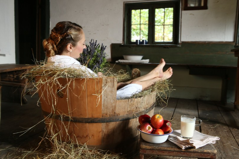 badewanne-heu-apfel-gesundheit-wellness.jpg