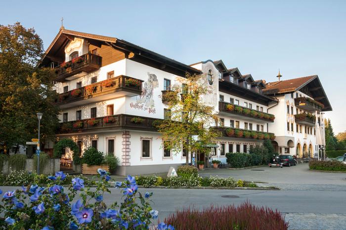 hotel-zur-post-rohrdorf-außenansicht.jpg