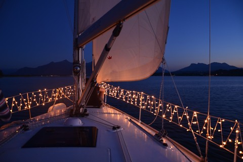 segeln-sternenfahrt-chiemsee(c) Chiemsee Yacht Heistracher.jpg