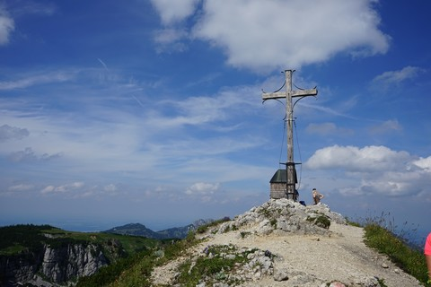 Gipfelkreuz-Geigelstein nach Norden.jpg