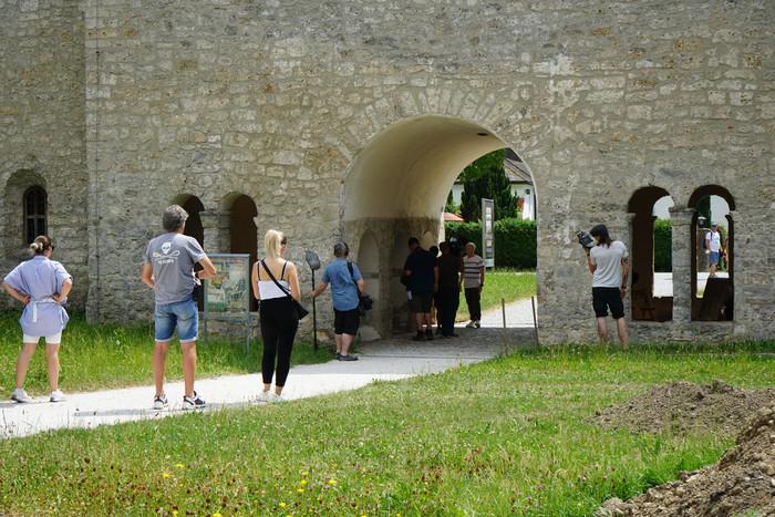 Dreharbeiten bei Karolingischer Torhalle auf der Fraueninsel