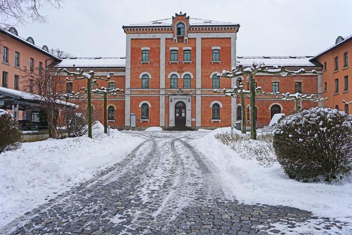 rosenheim-rathaus-im-winter-(c)chiemsee-alpenland-tourismus.jpg