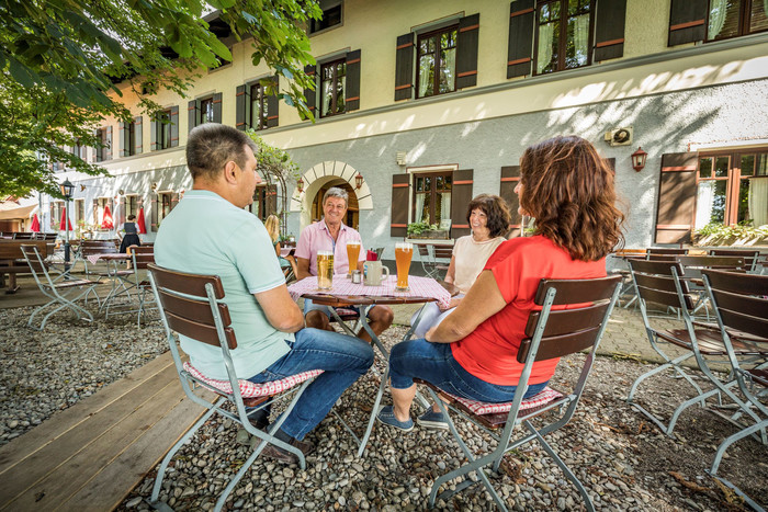 biergarten-kastanien-bier.jpg
