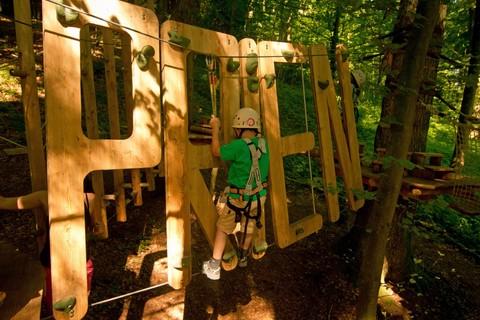 xx-kletterwald-prien-kind-buchstaben(c) Estermann Event & Abenteuer GmbH.jpg