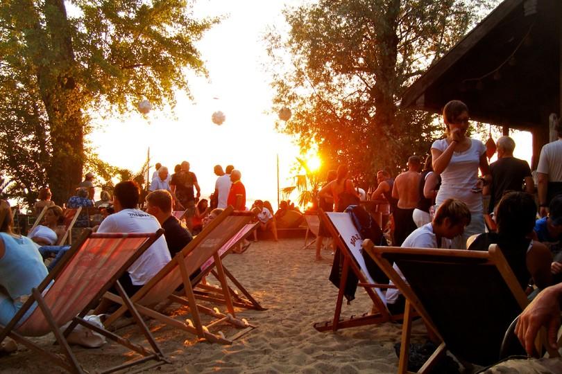 beachbar-uebersee.jpg