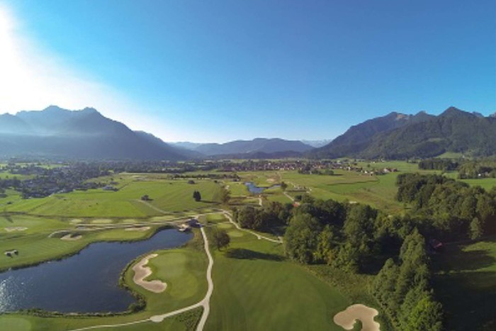 Luftbild Golfplatz Luftaufnahme Golf Resort Achental Berglick Wilder Kaider Tirol.jpg