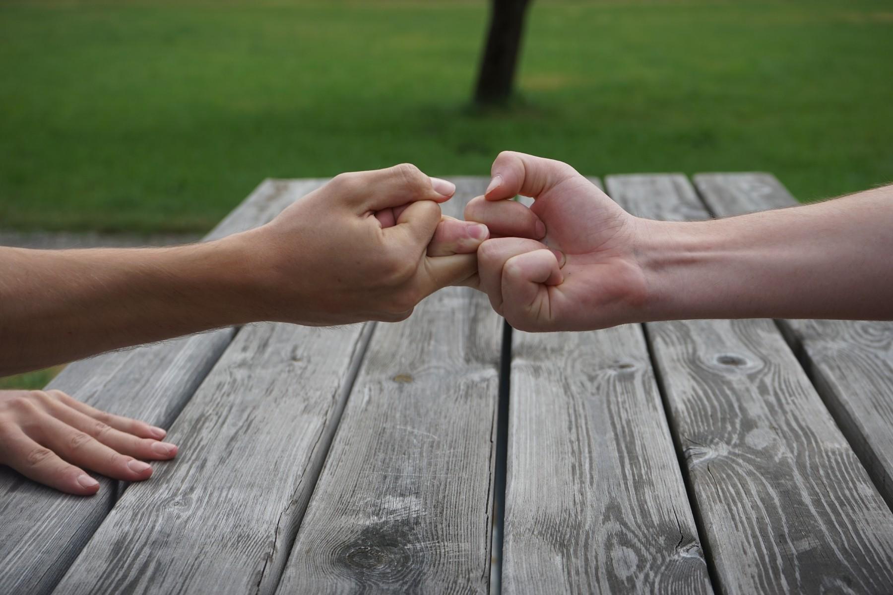 fingerhakeln-brauchtum.jpg