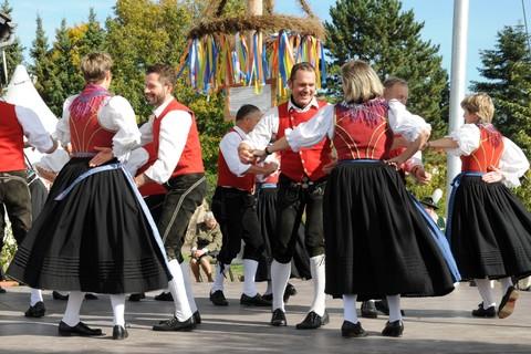 volkstanzgruppe-rosenheim-tanz-brauchtum.jpg