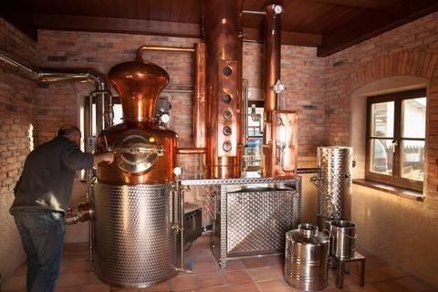 kymseer-whisky-brennkessel-destillerie-betriebsbesichtigung.jpg