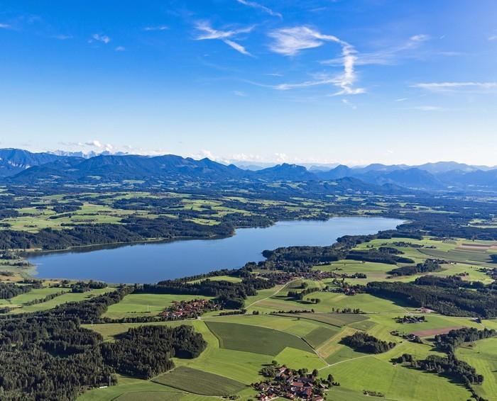 Urlaubsregion-Simssee-lufbild-1483x1200.jpg