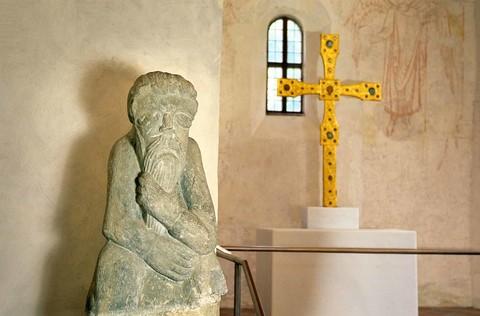 xx-steinerner-mann-karolingische-torhalle-fraueninsel-(c)andreas-strauss.jpg