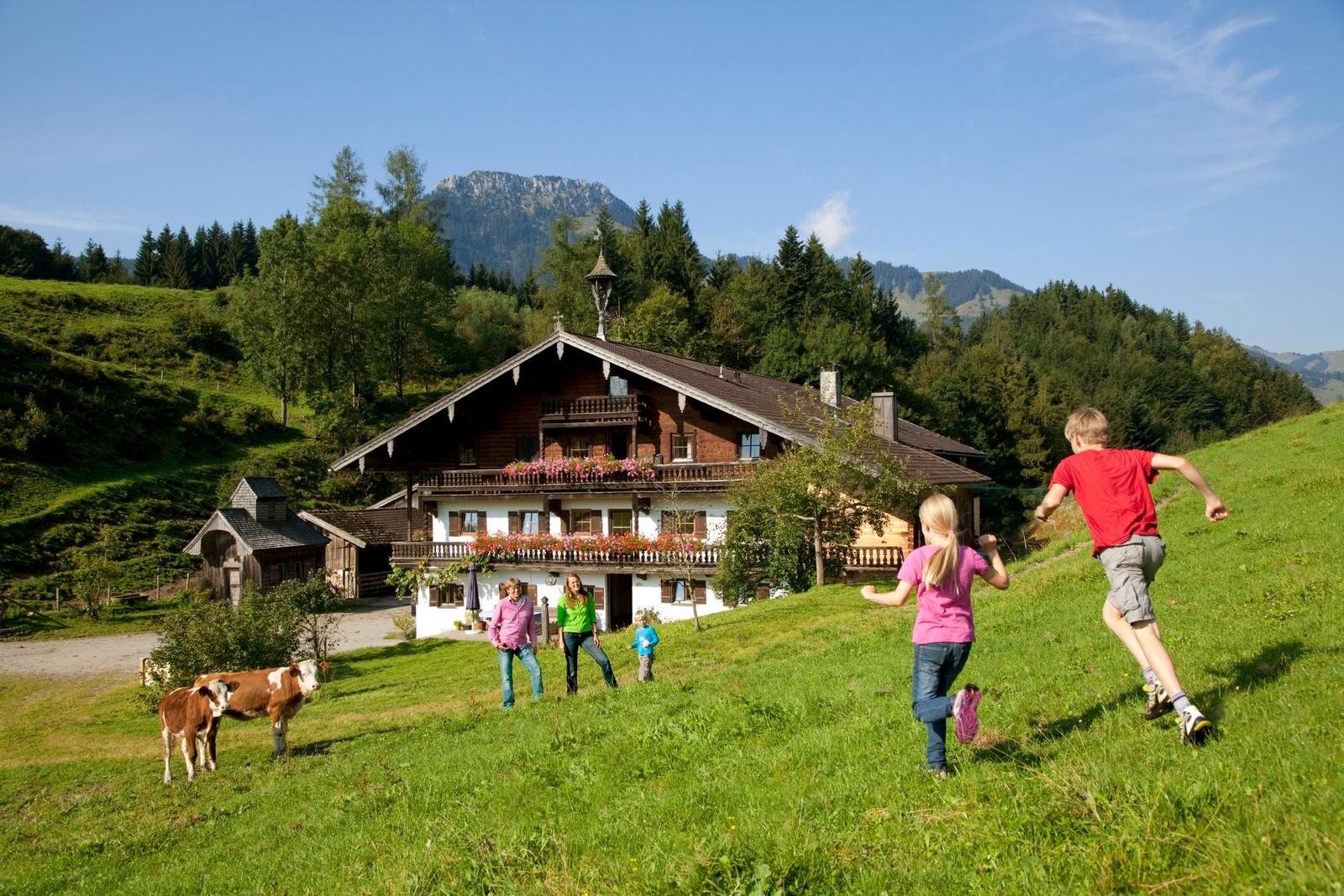 kinder-urlaub-auf-dem-bauernhof-chiemsee-alpenland.jpg