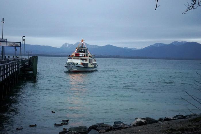 chiemsee-schifffahrt-winter.jpg