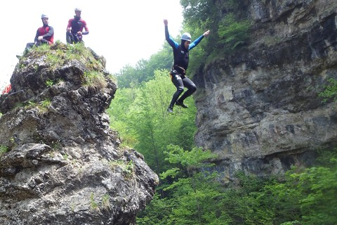 parker-outdoor-canyoning-sprung.jpg