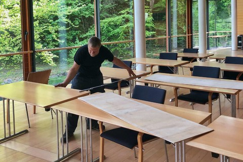 IHK Feldkirchen-Westerham - Saal Open Space - Aufbau