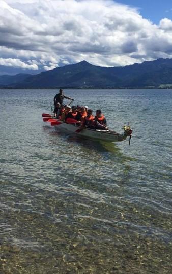 parker-outdoor-drachenboot-rennen-chiemsee-berge-752x1200.jpg