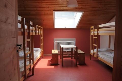 jugendhaus-haslau-zimmer-mehrbettzimmer.jpg